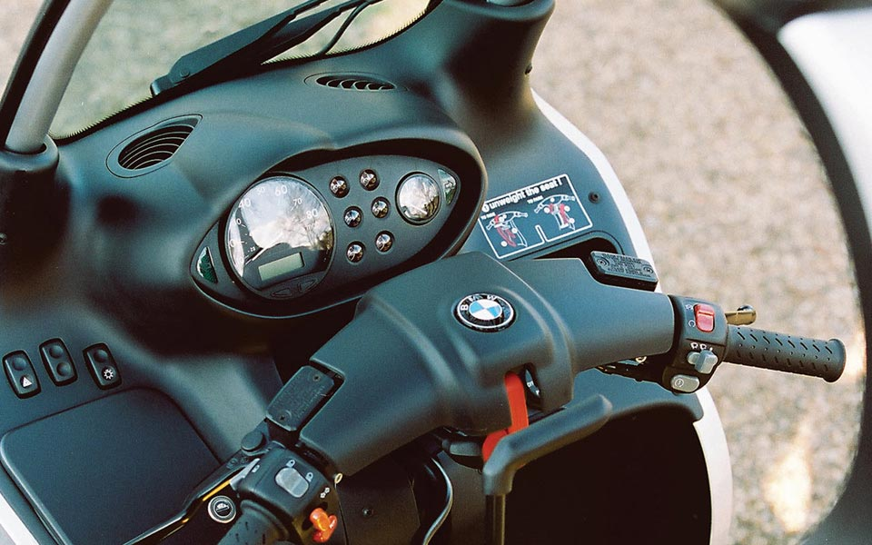 Instrument panel/speedometer for BMW C1